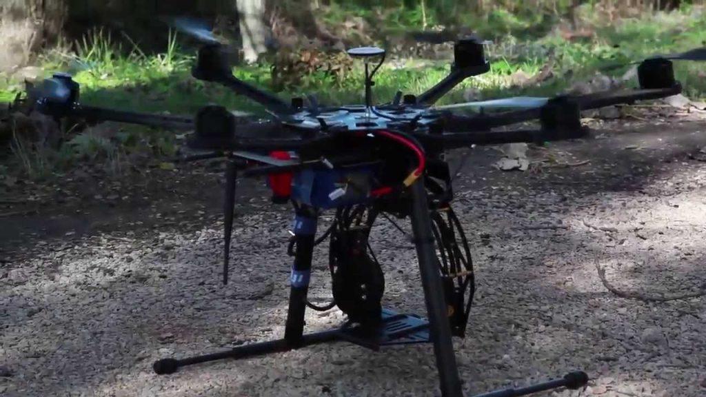 drone-models-974-Test-DJI-S800-nacelle-AV200-CANON-5D-Mark